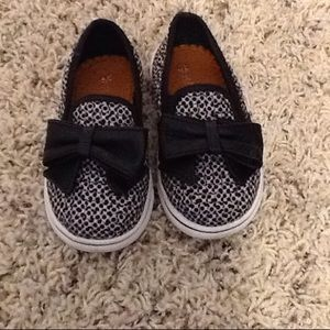 bernie mev. Other - Cute toddler girl shoes