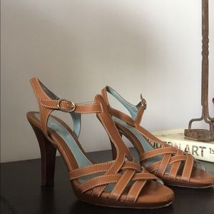 Lamberston Truex: multi strap sexy sandal