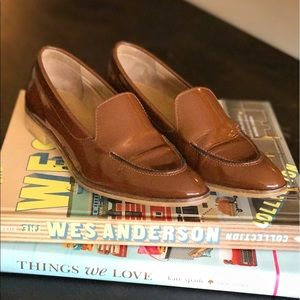 Everlane Shoes - Everlane brown patent leather loafers