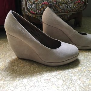Cooperative Shoes - Cooperative suede wedges
