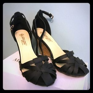 Shoes - Black strappy wedge sandals