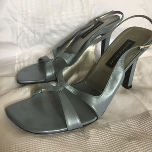JENNIFER MOORE heels