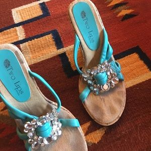 Two lips brand shoes size 5 1/2 turquoise leather