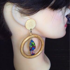 Fun vintage Wood dangle parrot earrings