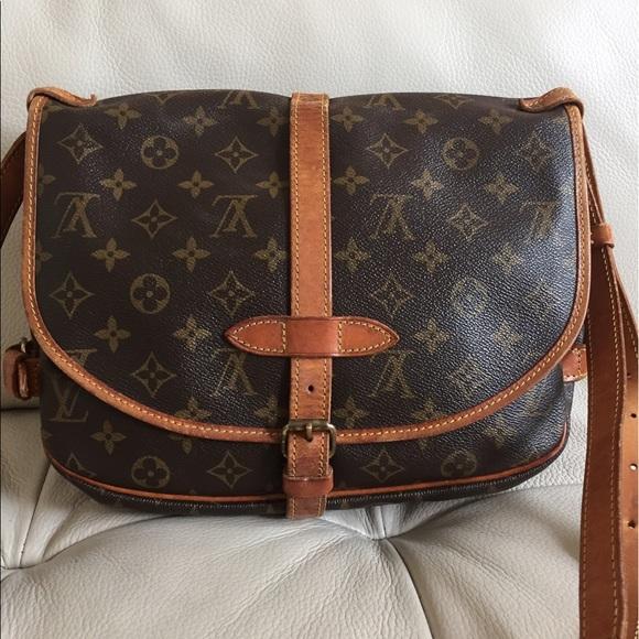 6099a834768e Louis Vuitton Handbags - 💯Authentic Louis Vuitton Saumur 30 vintage bag