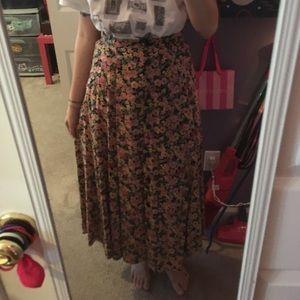 Beautiful vintage floral maxi skirt