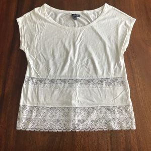 White tshirt with lace insets