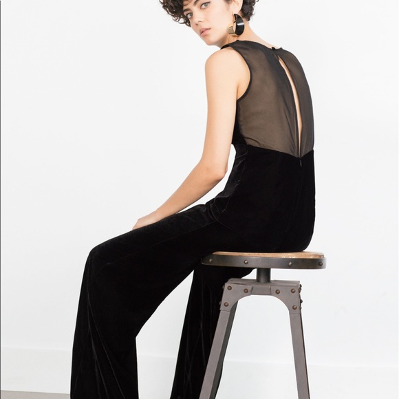 e4989af33d1c NWT Zara Women s Black Velvet jumpsuit wide leg