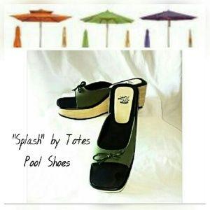 "Totes Shoes - Totes ""Splash"" Pool or Beach Shoes SZ 9M"