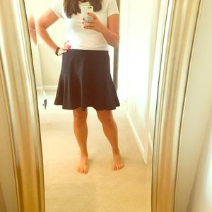 Old Navy Dresses & Skirts - Old Navy Black Flounce Skater Skirt