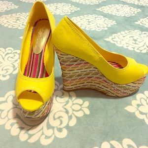 2 Lips Too Shoes - NWT Yellow Wedges