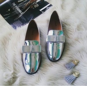 //The Lolita// Metallic Silver bow Loafer