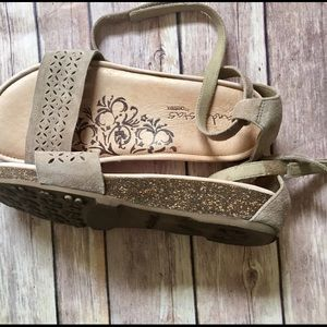 Aetrex Shoes - Sandalista by Aetrex Size 6 taupe sandal