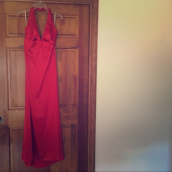 De Laru Collection  Dresses & Skirts - De Laru red formal dress