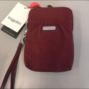 Baggallini Handbags - Baggalini RFID Bryant Pouch in Scarlet