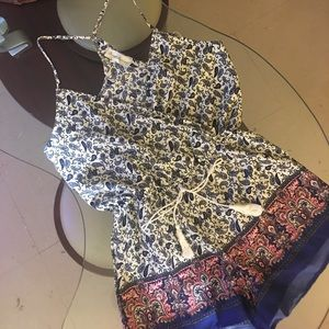 sweet journey Other - BEAUTIFUL PAISLEY PRINT V LINE ROMPER!