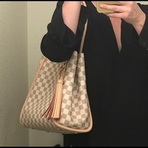 f20d7f7bb880 Louis Vuitton Bags - For 1stdiva only!