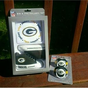 NFL Other - Green Bay Packers Bib, Pacifiers & Shoes