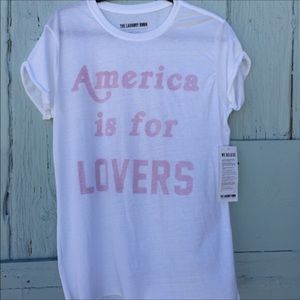 The Laundry Room Tops - America is for Lovers Tee NWT