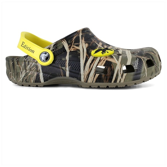 36dc884a5f399 CROCS Other - Limited Edition Duck Commander Camo Crocs Size 12