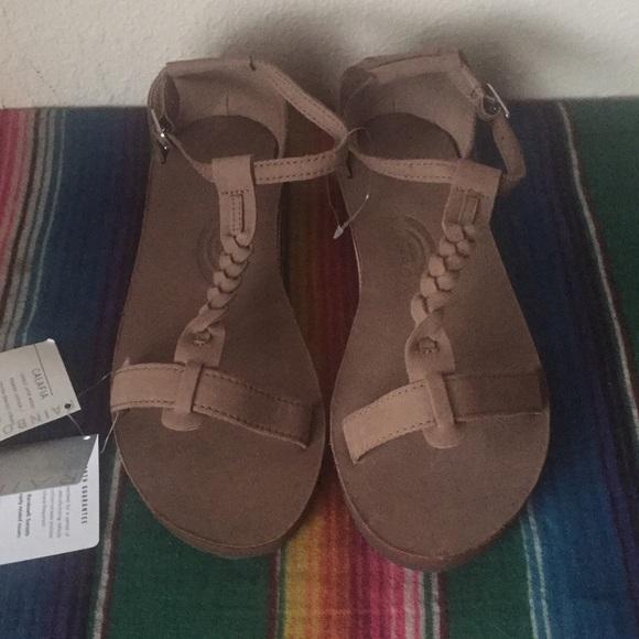 934518f445e  Rainbow Calafia Sandals. NWT!
