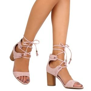 Qupid Shoes - ❗️ⓢⓐⓛⓔ❗️Faux Blush Suede Tasseled Sandal