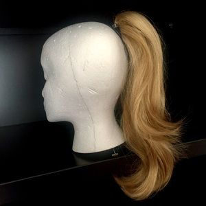 """18"""" Clip-In Layer Ponytail Hair Extensions Blonde"""