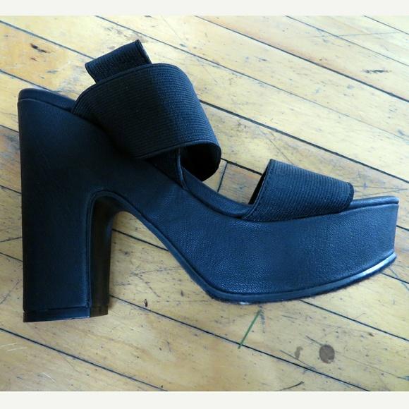 50 soda shoes soda black chunky heel strappy