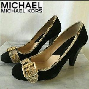 🌎 Michael Kors Snakeskin Heels