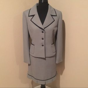 Tahari Jackets & Blazers - Gorgeous Tahari skirt suit