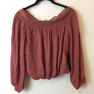 Lulu's Tops - NWT Lulu's Mauve Off The Shoulder Cropped Blouse
