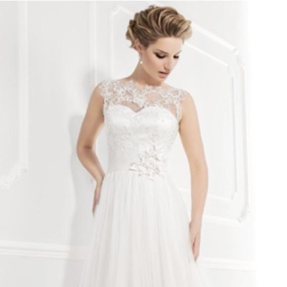 b4ef0a17e16 Ellis Bridal A19033 Wedding Dress