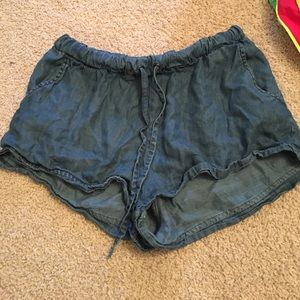 NATIVE YOUTH Pants - flowy shorts!