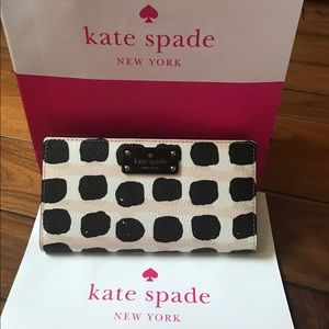kate spade Handbags - Kate Spade Stacy Wallet (Price Firm)