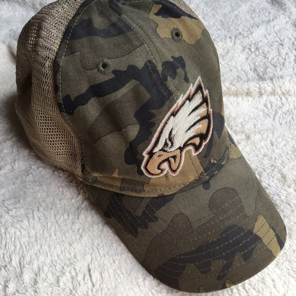 Official Philadelphia Eagles camo hat. M 5926301399086a27f700fd8f 606a56867
