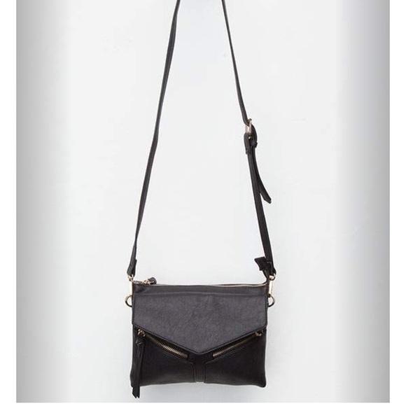 fa93fd1c1450 NWOT Violet Ray Leanna Crossbody Black Bag. M 5926388799086aa457011897