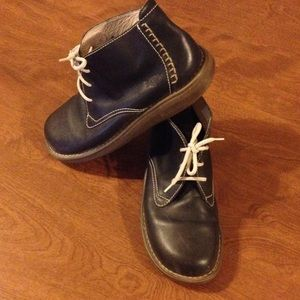 Dr. Martens Other - Dr. Martens leather chukka boots