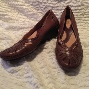 Clarks Shoes - Brown clarks wedges