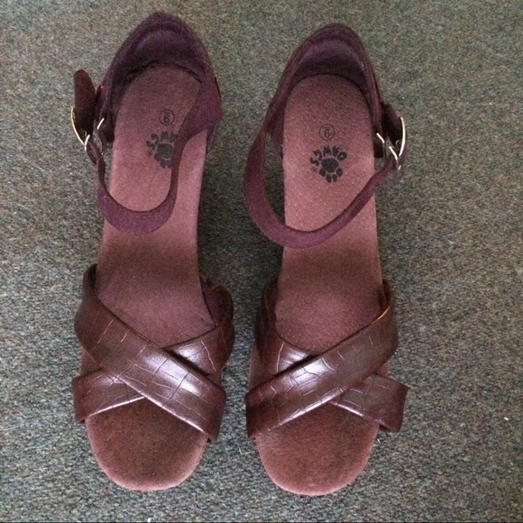 Dawgs Shoes - Faux Leather Cushioned Wedge Sandals