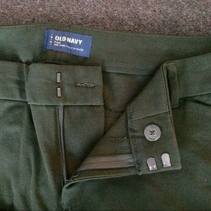 Old Navy Pants - BNWT Green Skinny Pixie Cropped Pants