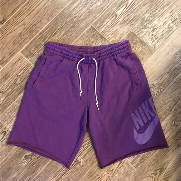 Nike Men's Sweat Shorts Size Medium