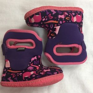 Bogs Other - Toddler size 5 Adorable animal print Bog boots