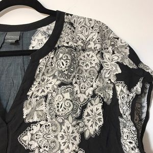 Covington Tops - Covington 3X Black & White Tunic