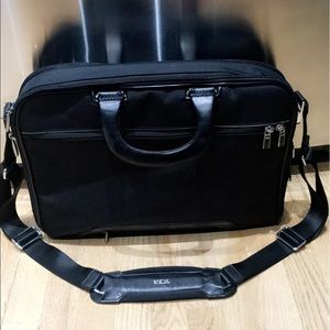 Tumi Handbags - Authentic Arrive Tumi Briefcase. NEGOTIABLE