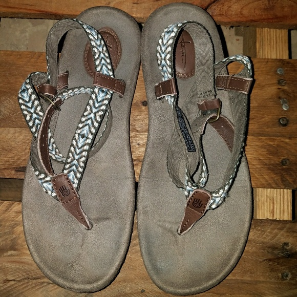 ee191062d4c1 Teva (ankle wrap thong sandals). M 5926589f620ff7b5cf01c38c
