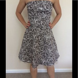 Morgan & Co. Dresses & Skirts - Strapless floral print dress, with tool accent