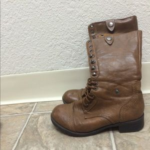 Soda Shoes - Soda brown lace up combat boots