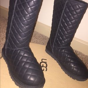 Classic Tall Diamond Quilt Uggs
