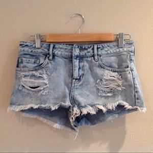 Bullhead size 27 jean shorts
