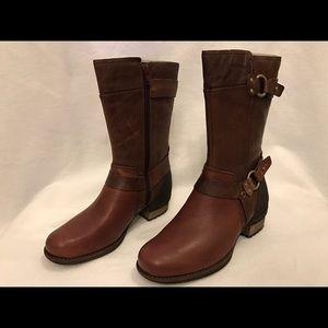 Merrell Shoes - Merrell chocolate brown women boots 6.5M
